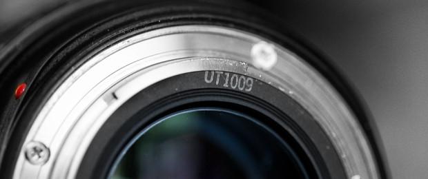 Determine Canon lens age