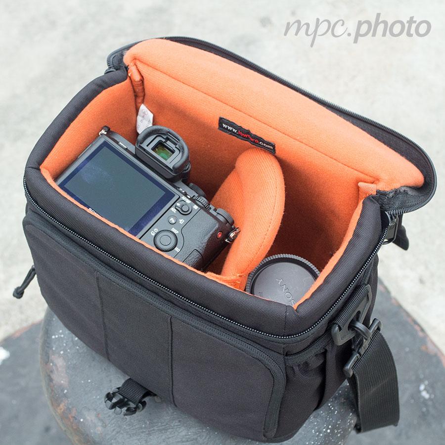 Lowepro Adventura 170 Shoulder Bag Amazon 8